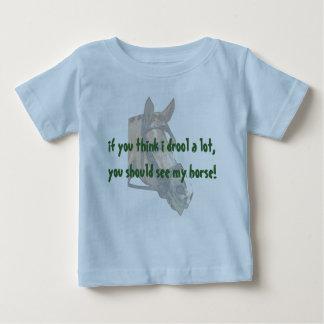 Het baby kwijlt baby t shirts