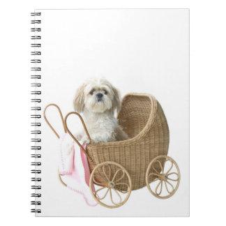 Het babyvervoer van Tzu van Shih Notitieboek