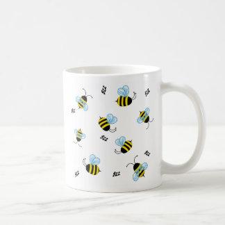 Het bezige Zoemen stuntelt de Mok van Bijen