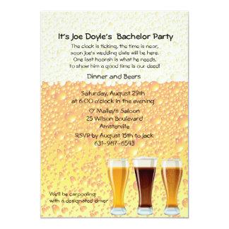 Het bier juicht de Uitnodiging van de Partij van