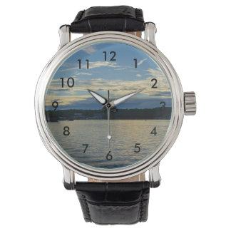Het blauwe Meer van de Zonsondergang van Ozarks Horloge