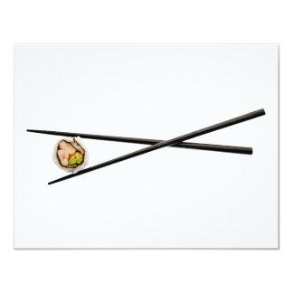 Het Broodje & de Eetstokjes van sushi - Aangepaste 10,8x13,9 Uitnodiging Kaart