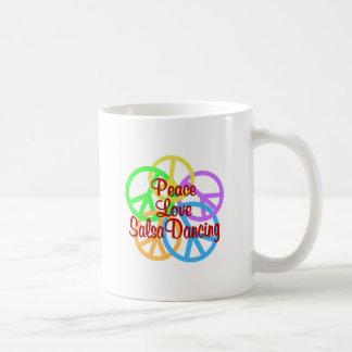 Het Dansen van Salsa van de Liefde van de vrede Koffiemok