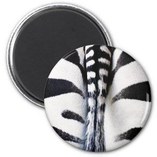 Het de gestreepte Zwarte & Wit van de Staart Ronde Magneet 5,7 Cm