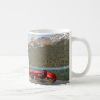 Het Dok van de Kano van Louise van het meer, Koffiemok