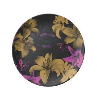 Het donkere Bloemen Decoratieve Bord van het Porseleinen Bord