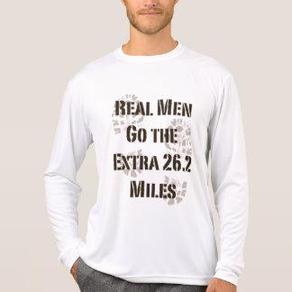 Het echte Man gaat de Extra 26.2 Mijlen van het Sweater