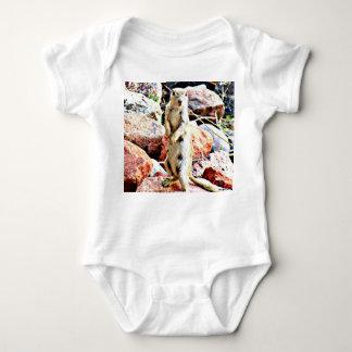 """Het Ééndelige T-shirt van het baby """"wat""""?"""
