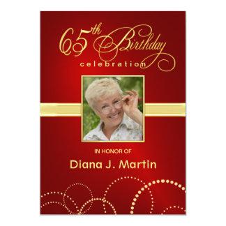 het Elegante Rood van de 65ste van de Verjaardag 12,7x17,8 Uitnodiging Kaart