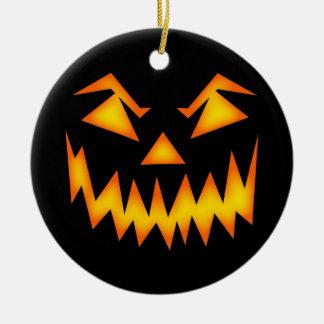 Het enge Gezicht van de Pompoen van Halloween Rond Keramisch Ornament