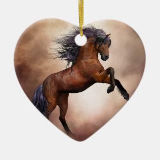 Het Friesian bruine paard grootbrengen omhoog met Keramisch Hart Ornament