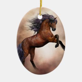 Het Friesian bruine paard grootbrengen omhoog met Keramisch Ovaal Ornament