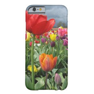 Het Gebied van tulpen Barely There iPhone 6 Hoesje