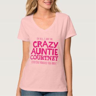 Het gekke tanteroze personaliseert de t-shirt van