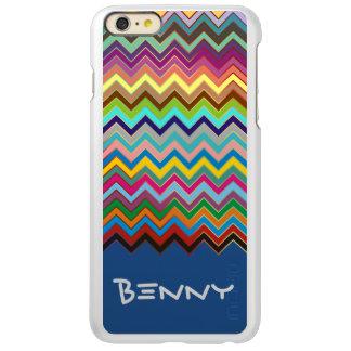 Het gekleurde patroon van de ZIGZAG - + uw naam Incipio Feather® Shine iPhone 6 Plus Hoesje