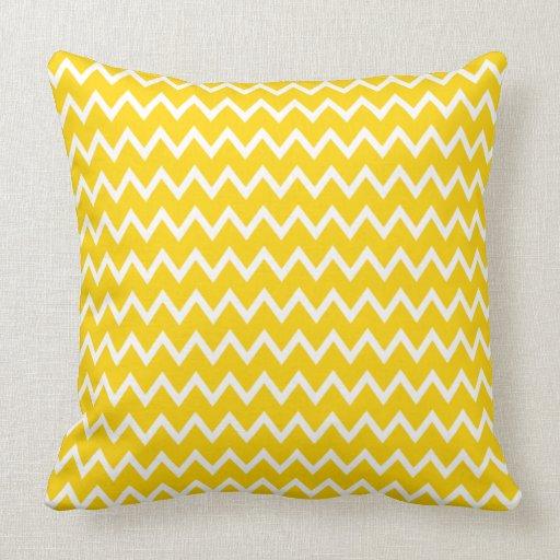 Sierkussen sierkussen tekst : Het gele en Witte Patroon van de Zigzag Lounge Kussens : Zazzle