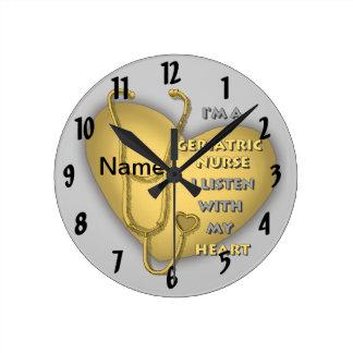 Het gele Geriatrische Hart van de Verpleegster Ronde Klok Medium