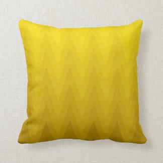 Het gele OkerPatroon van de Chevron van Ombre van Sierkussen