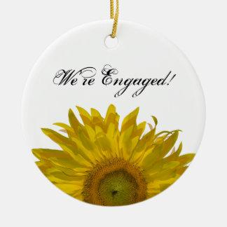 Het gele Verloving van de Zonnebloem Rond Keramisch Ornament