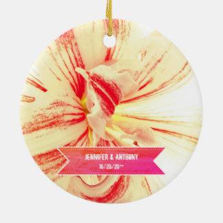 Het gestreepte Huwelijk van de Douane van de Bloem Rond Keramisch Ornament