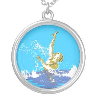 het gesynchroniseerde zwemmen zilver vergulden ketting