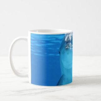 Het gezicht van de dolfijn - omhoog dichte koffiemok