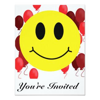 Het Gezicht van Smiley met Rode Ballons 10,8x13,9 Uitnodiging Kaart