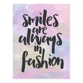 Het glimlachen in het Citaat van de Mode Briefkaart