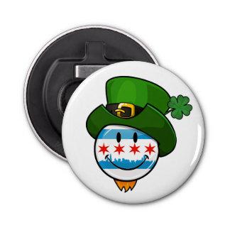 Het glimlachen van de Vlag van Chicago met St. Button Flesopener