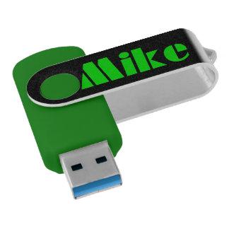Het Gokken van USB Mike van Chiavetta v.s Swivel USB 3.0 Stick