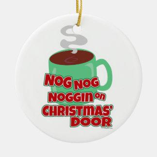 Het grappige Spreuk van Kerstmis van de Eierpunch Rond Keramisch Ornament