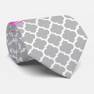 Het grijs-witte Marokkaanse #5 Hete Roze Monogram Custom Stropdas