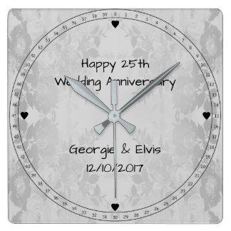 Het grijze Jubileum van het Huwelijk van Bloemen Vierkante Klok