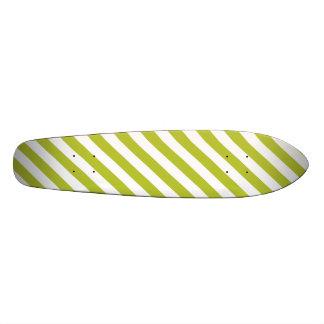 Het groene en Witte Diagonale Patroon van Strepen 21,6 Cm Skateboard Deck