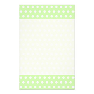 Het groene en Witte Patroon van de Stip. Spotty. Flyer 14 X 21,6 Cm