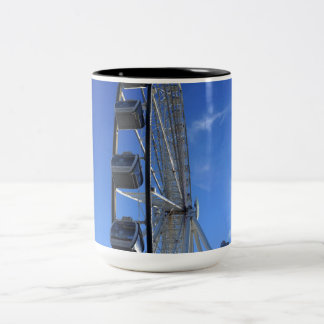 Het grote Rokerige Wiel van de Berg Tweekleurige Koffiemok