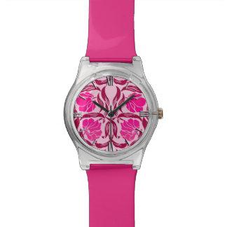 Het Guichelheil van William Morris, Fuchsiakleurig Horloge