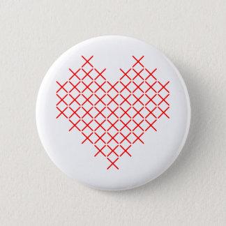 Het hart van de rood kruissteek ronde button 5,7 cm