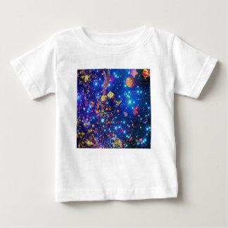 Het heelal en de planeten vieren het leven met een baby t shirts