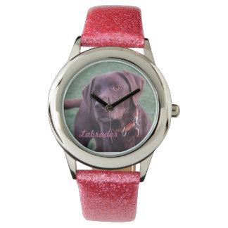 Het horloge van Labrador van de chocolade