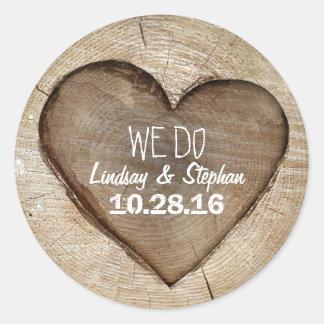 Het houten Rustieke Huwelijk van het Hart Ronde Sticker