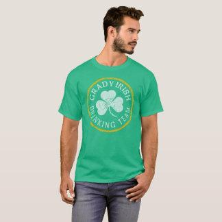 Het Ierse Drinkde Team van Grady T Shirt