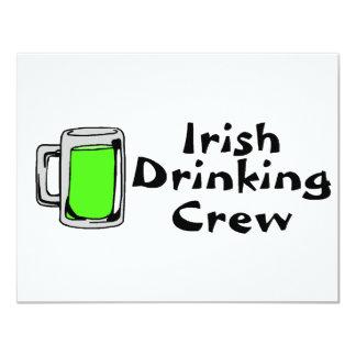 Het Ierse het Drink Groene Bier van de Bemanning 10,8x13,9 Uitnodiging Kaart