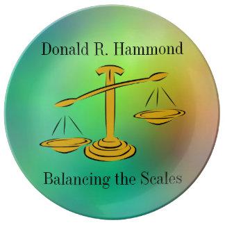 Het in evenwicht brengen van de Schalen Porseleinen Bord