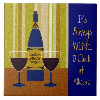 Het is altijd Uur van de Wijn in Allison Tegeltje