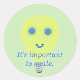 Het is belangrijk om te glimlachen, ronde sticker