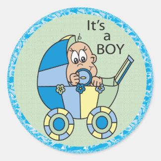 Het is een Jongen van het Baby in een Vervoer Ronde Stickers