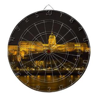 Het Kasteel Hongarije Boedapest van Buda bij nacht Dartbord