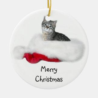 Het katjesKerstmis van de gestreepte kat Rond Keramisch Ornament