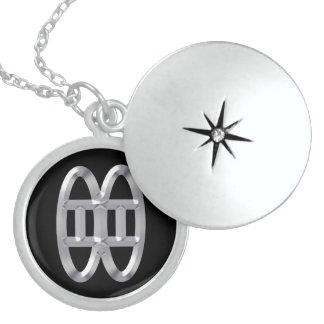 Het Ketting van het monogram met Symbool van Vrien